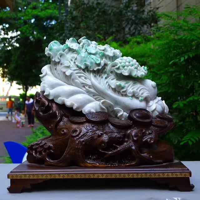 300*200*130寸飘阳绿白菜翡翠摆件图7