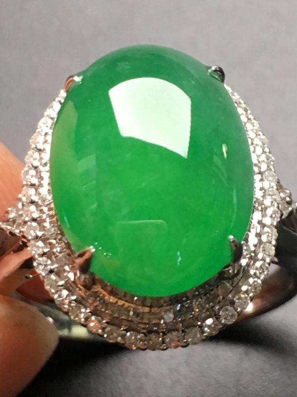冰种阳绿色 缅甸天然翡翠18k金伴钻戒指