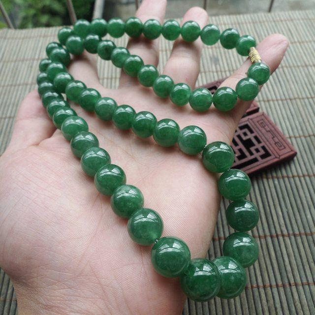 辣绿天然翡翠项链 珠子取大13.5mm