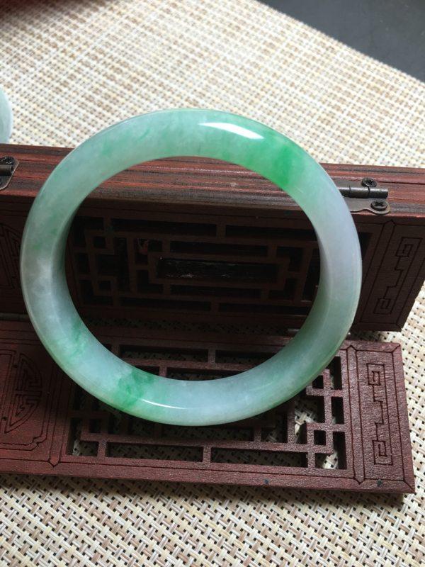 冰種陽綠正圈翡翠手鐲圖2