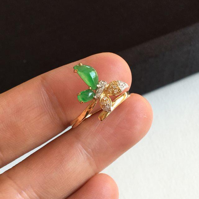 冰种阳绿蝴蝶 7.7x4x2.3 毫米