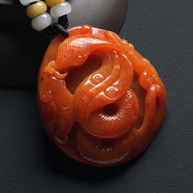 巧雕红翡生肖蛇大吊坠  尺寸:48-43-12.4毫米