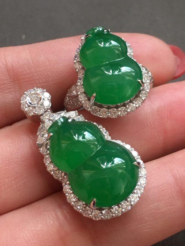 冰种满绿葫芦套装 翡翠