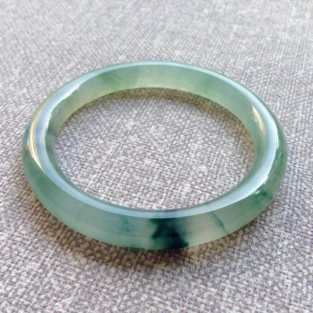 53.2寸冰种底色飘花翡翠手镯 缅甸天然翡翠圆条镯
