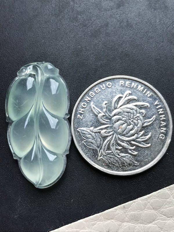 冰种叶子 翡翠挂件 尺寸:30.8*15.7*5图9