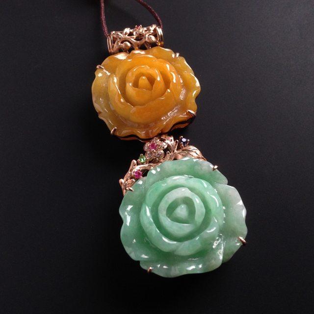 巧雕双彩花开富贵 翡翠吊坠 单颗尺寸23-26-5毫米