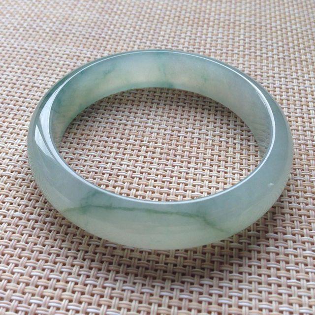 冰糯飘花正圈翡翠手镯 尺寸57.7~13.7~7.2mm