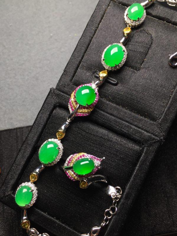 冰阳绿翡翠手链套装 手链9.5*7.3*4 戒指8*5.8*4