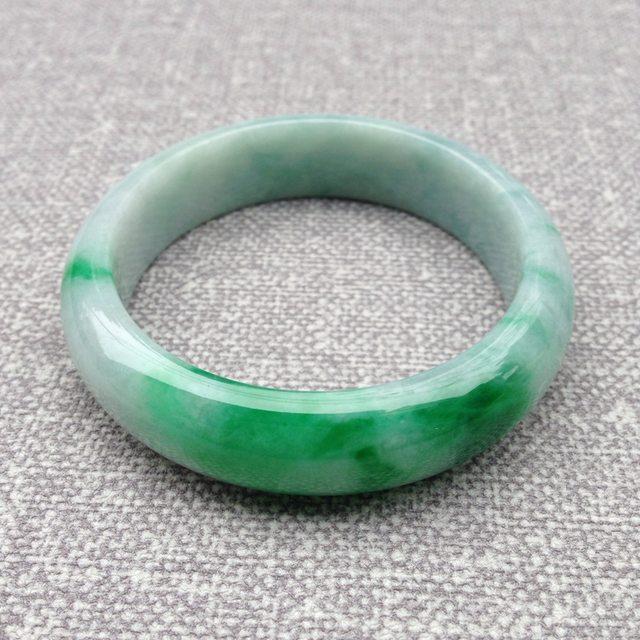 糯种飘绿翡翠手镯  缅甸天然翡翠正圈镯 55.9寸圈