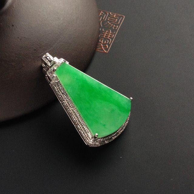 糯冰种阳绿 无事牌翡翠挂件 裸石尺寸24-15-3毫米 连金尺寸30-17-8.5毫米