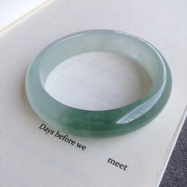 56.7 冰油绿正圈翡翠手镯