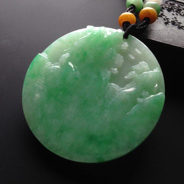 糯冰种绿底 翡翠挂件 尺寸52-52-6mm图3