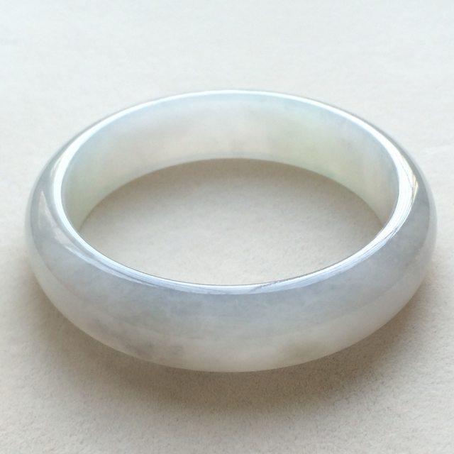 冰润底色正圈翡翠手镯 尺寸:59.1*16*7.8mm
