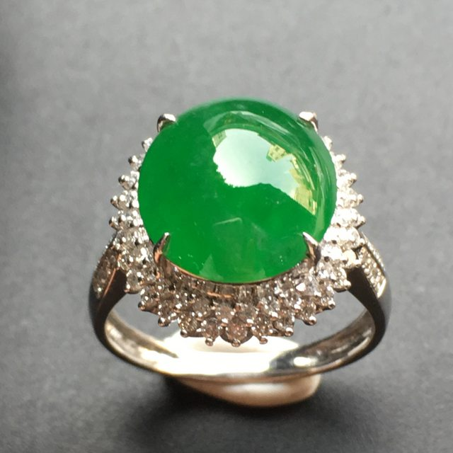 12.4*11.2*3寸满绿蛋面 翡翠戒指