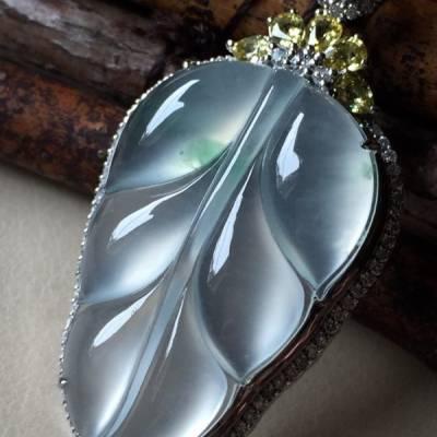 玻璃种叶子 翡翠挂件 裸石尺寸35.5*23*5