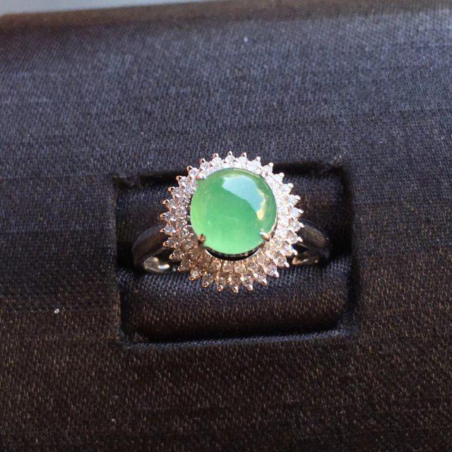 冰种阳底色 缅甸天然翡翠戒指大小6.7*5mm