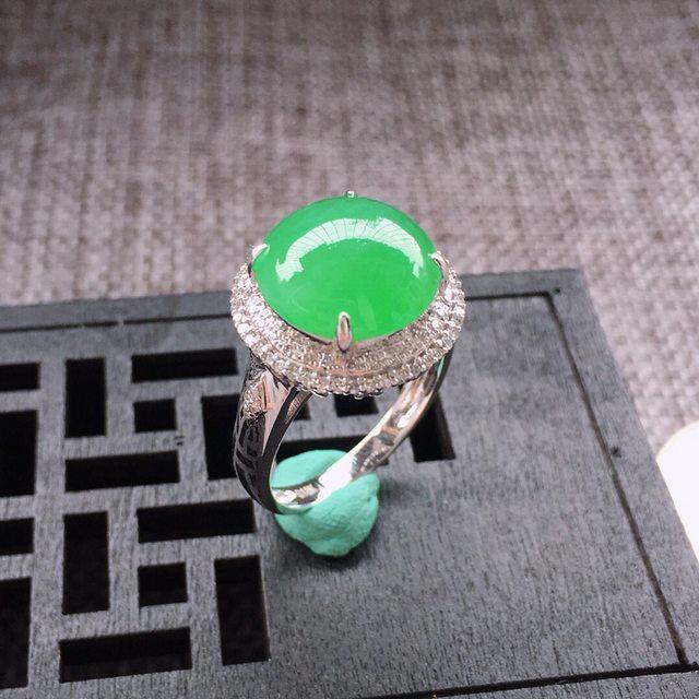12*11.7*4.2寸冰糯种阳绿翡翠戒指