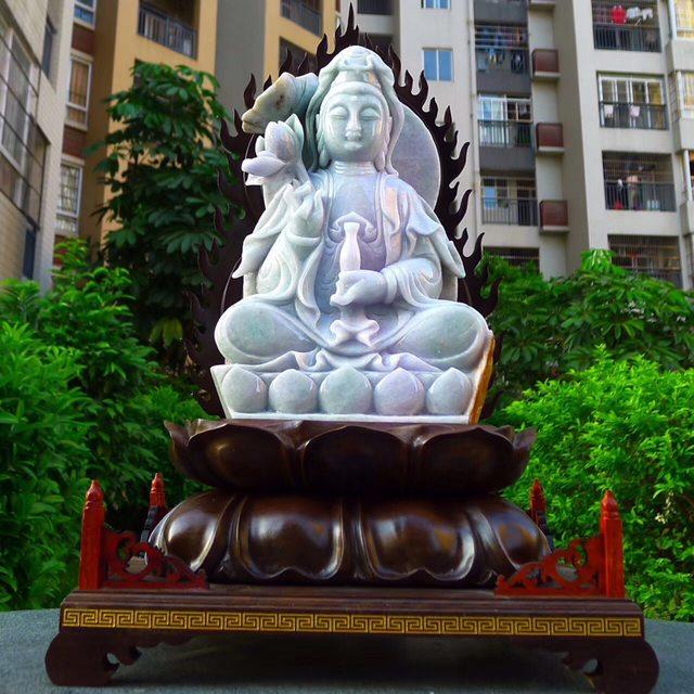 缅甸天然翡翠A货 精美春带彩 观音菩萨摆件图6