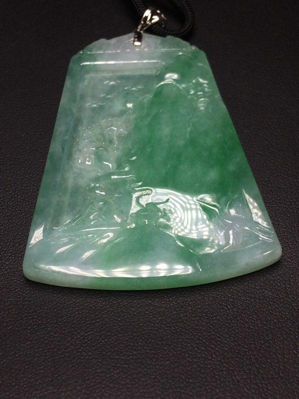 老种淡绿色山水牌翡翠吊坠  芙蓉种水翡翠吊坠