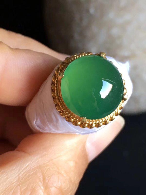 老坑冰种 阳绿色 缅甸天然翡翠戒指