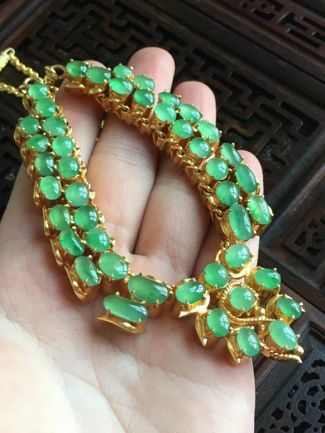 冰阳绿翡翠翡翠项链取大9.8~5.2、5.3*5.1