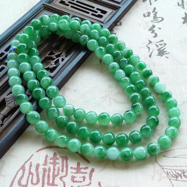 糯冰飘绿圆珠翡翠项链