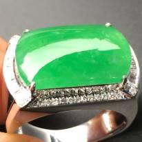 冰种阳绿色马鞍 缅甸天然翡翠戒指
