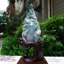 老坑水润飘绿 翡翠A货 年年有鱼花瓶摆件
