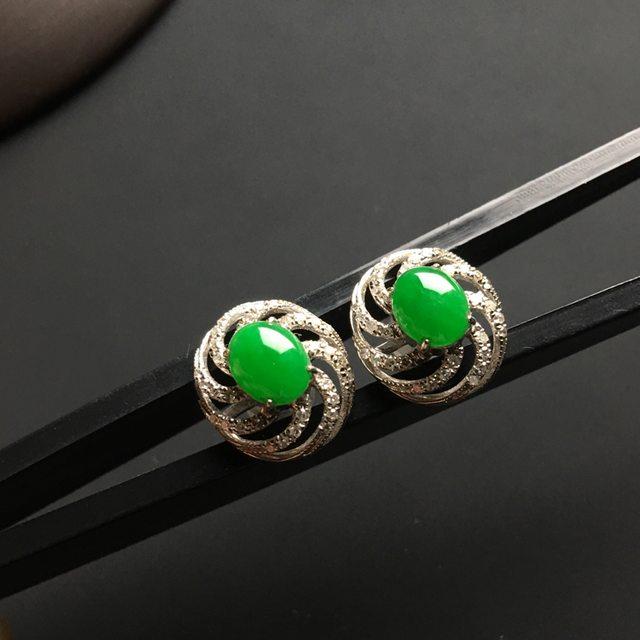 冰阳绿 翡翠耳钉 整体尺寸12-11-5毫米