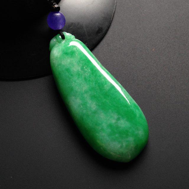 细糯种阳绿 翡翠福瓜 尺寸50-20-6毫米