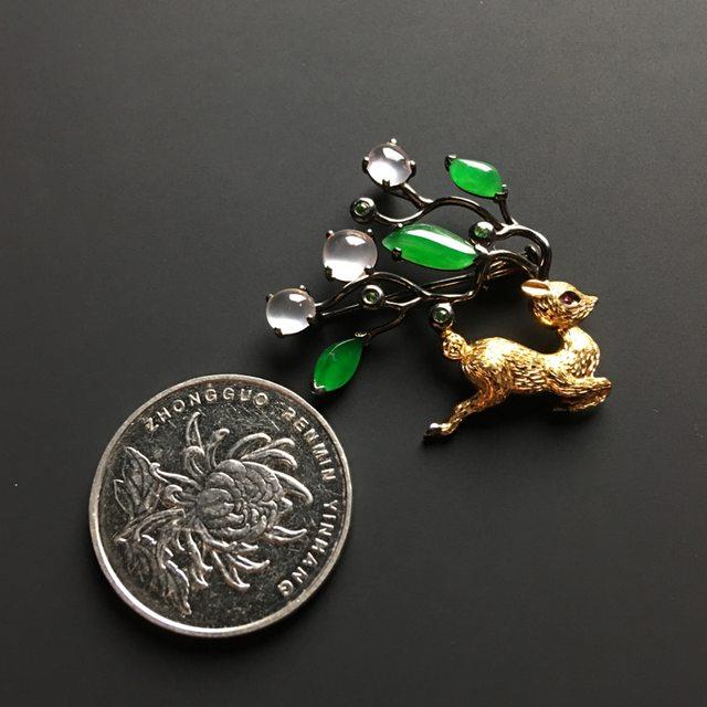 三彩梅花鹿翡翠胸针 整体尺寸30-34-6毫米图5