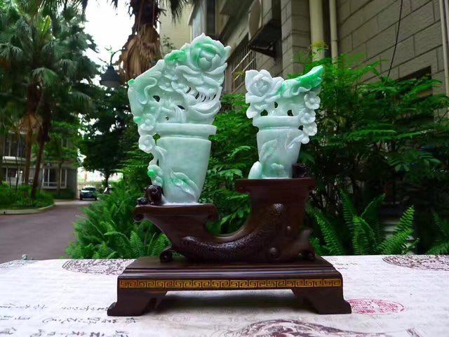翡翠A货 老坑水润飘阳绿 平平安安花瓶摆件