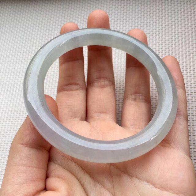糯冰种淡绿色翡翠手镯 尺寸53.5-8.7-8.7