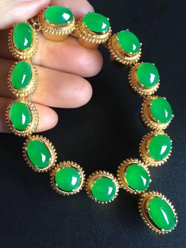 老坑冰种艳阳绿色项链