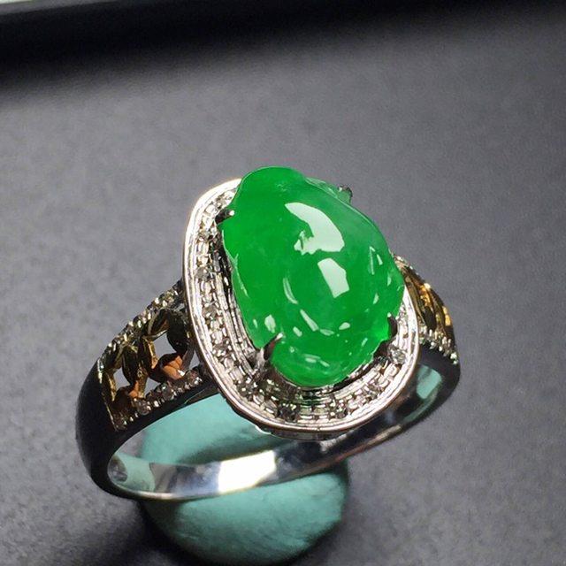冰种阳绿貔貅戒指 真金真钻镶嵌