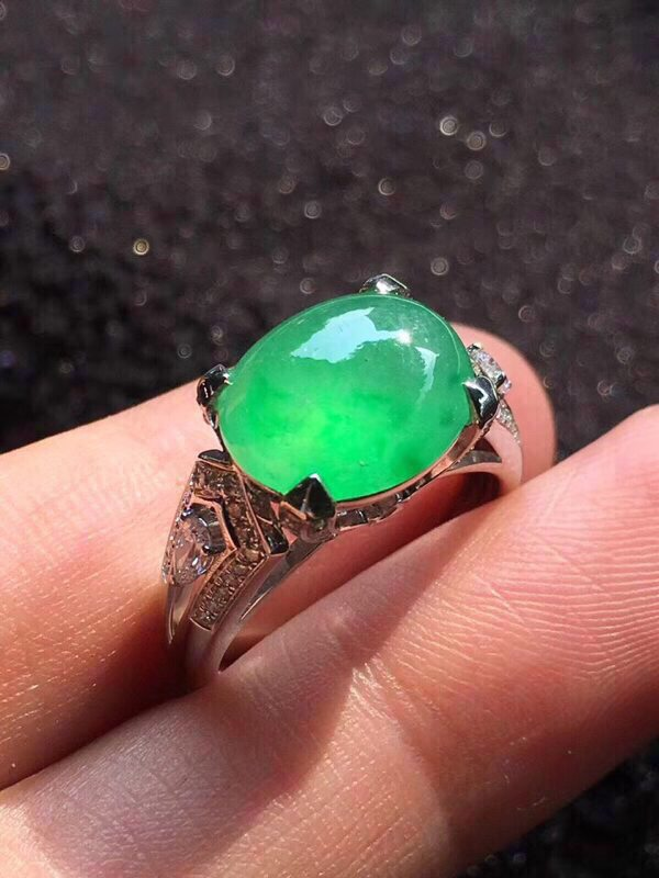 冰种木那鲜阳绿翡翠戒指