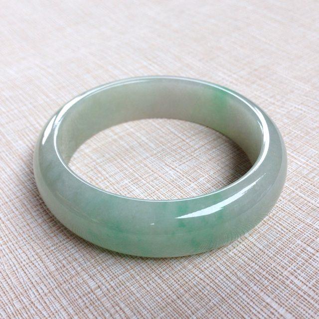老冰种飘绿翡翠手镯  缅甸天然翡翠56.3寸正装手镯