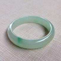 冰种飘绿翡翠手镯  缅甸天然翡翠手镯 55.6寸正装手镯