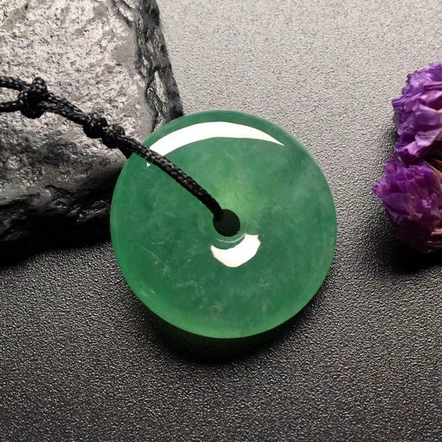 冰晴绿平安扣 翡翠挂件 尺寸: 22-6.5mm