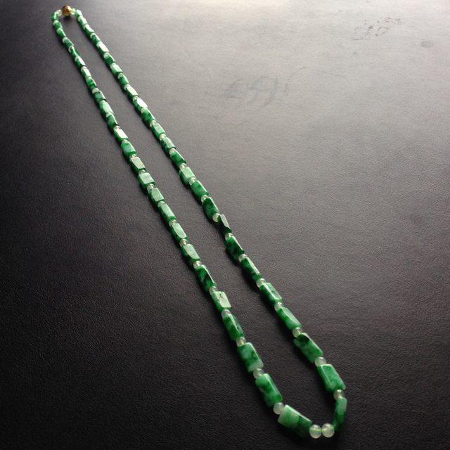 糯冰种阳绿 天然翡翠路路通项链 单颗尺寸10-4毫米