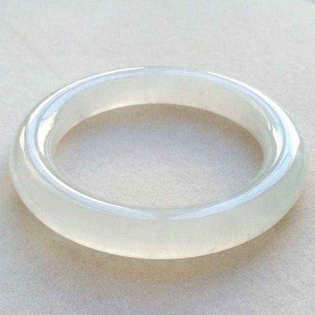 冰种飘花翡翠手镯  缅甸天然翡翠圆条手镯 尺寸:56.3*12*11.9mm