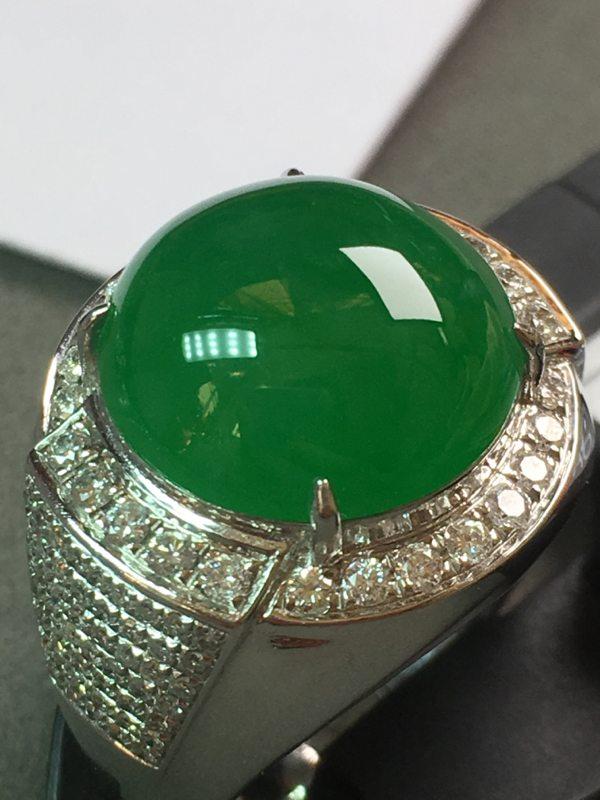冰种满绿蛋面 缅甸天然翡翠戒指 18K金镶嵌钻石