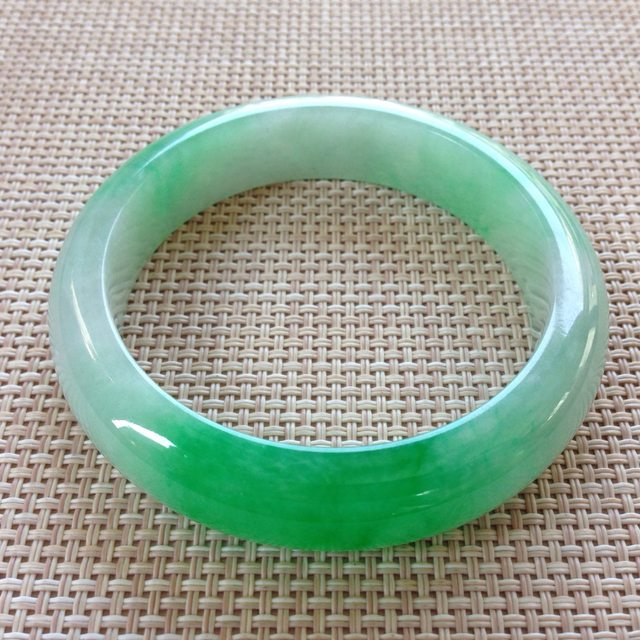 冰种阳绿翡翠手镯  缅甸天然翡翠手镯 尺寸:57寸