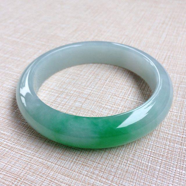 冰糯种阳绿翡翠手镯 缅甸天然翡翠手镯  水头足