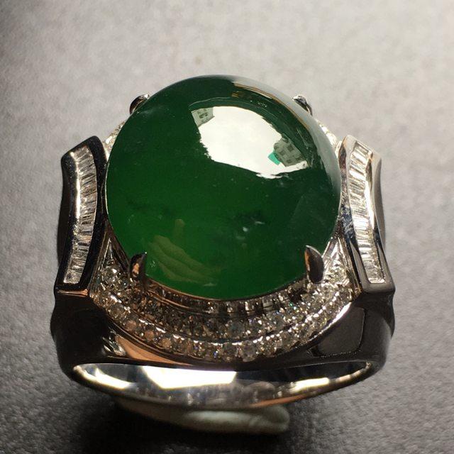 16.2*14.8*6.8寸绿蛋面马鞍翡翠戒指