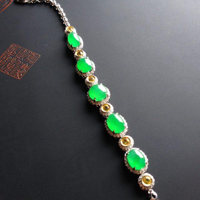 8-6-3寸冰种阳绿天然翡翠手链