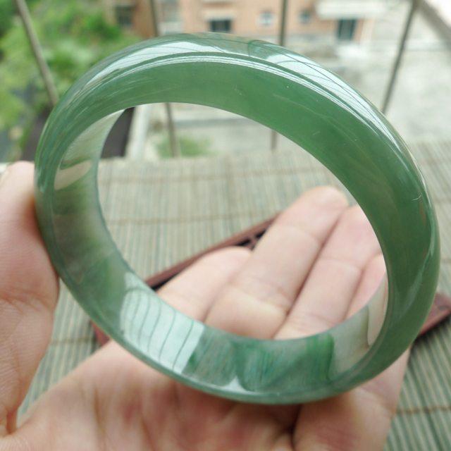 A货翡翠水润满绿正装手镯57.2mm