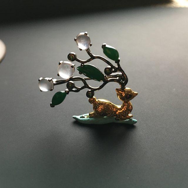 三彩梅花鹿翡翠胸针 整体尺寸30-34-6毫米图8