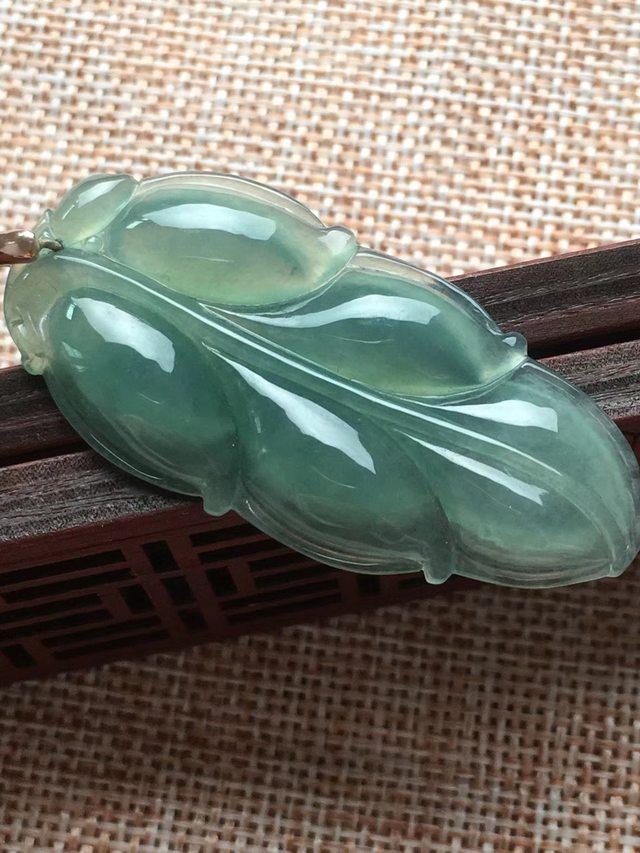 冰糯种甜绿金枝玉叶 翡翠挂件 尺寸48.8*23*5