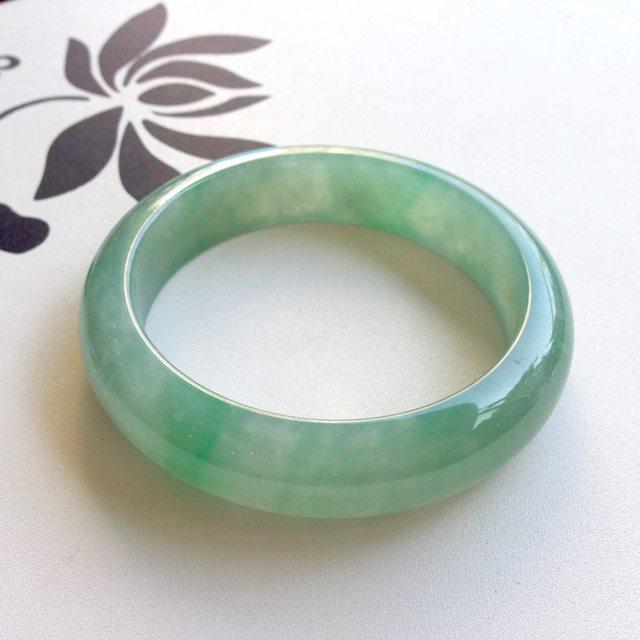 56.4寸冰种飘绿翡翠手镯  缅甸天然翡翠正圈镯